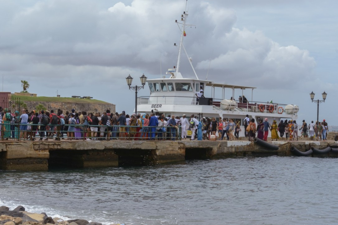 Ferry Isla Goree.jpg